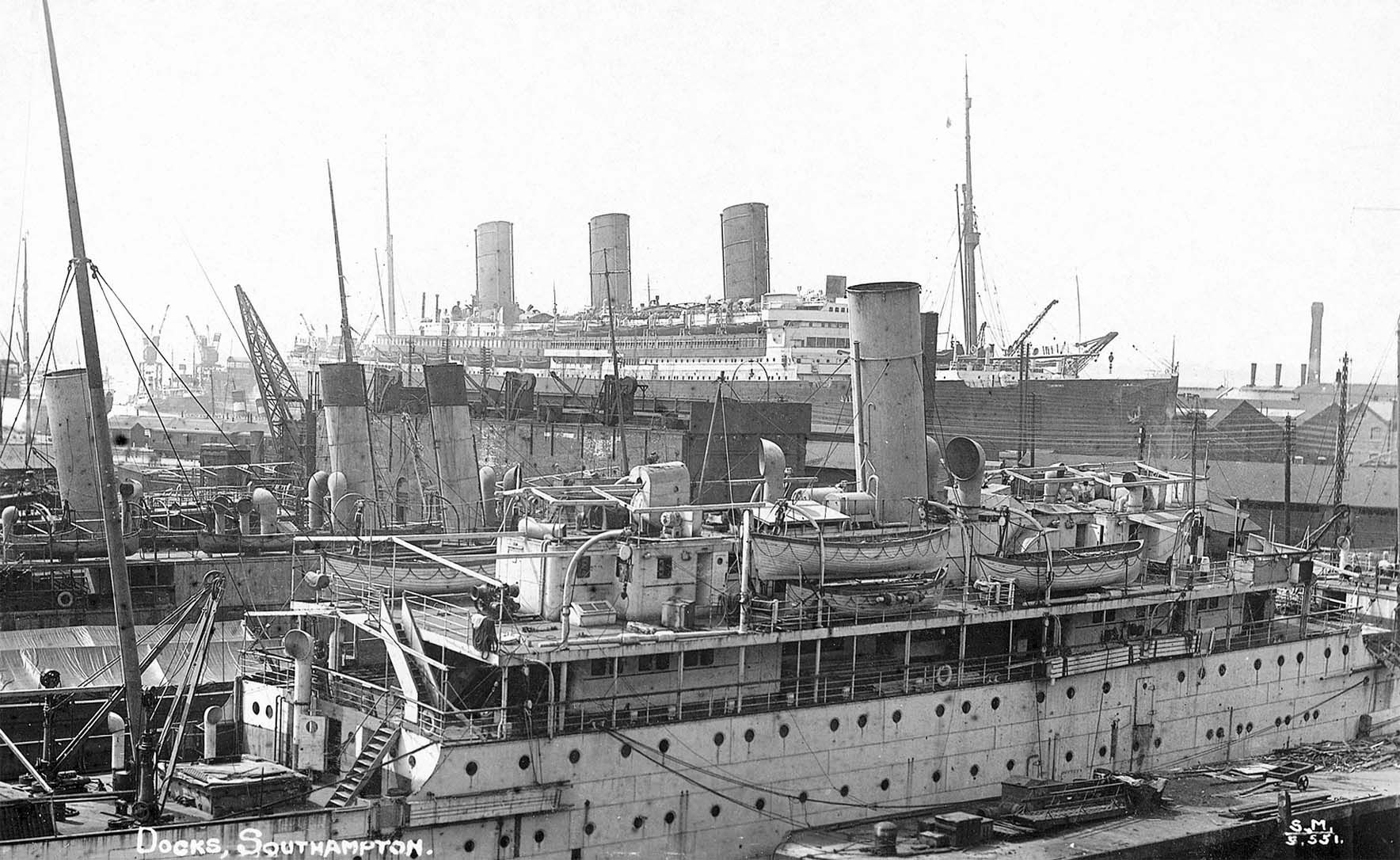 Docks Southampton. Busy Scene In 1920s With