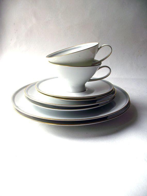 MCM -Rosenthal White Porcelain-Wedding Gift- Minimalist- Dinnerware Set  sc 1 st  Pinterest & MCM -Rosenthal White Porcelain-Wedding Gift- Minimalist- Dinnerware ...