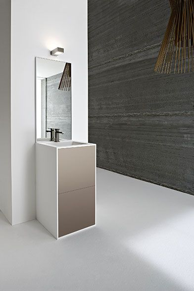 Vasche da bagno e lavabi in Korakril, Vasca da bagno con