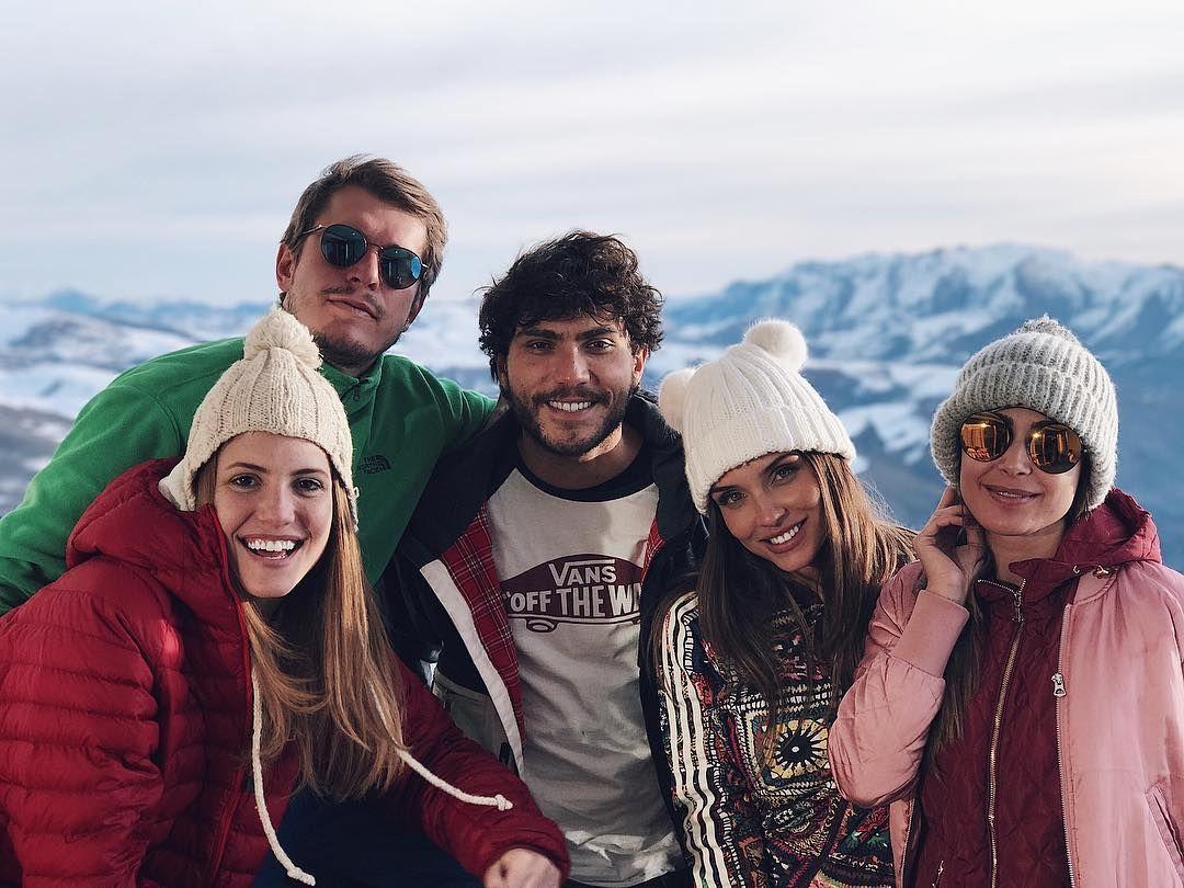 """981 curtidas, 31 comentários - carla ♡ (@carlamorone) no Instagram: """"continuem arrasando na neve por mim! Já sinto saudades! ❤️❄️🇨🇱 . . . #travel #kriptoneve #snowtrip…"""""""