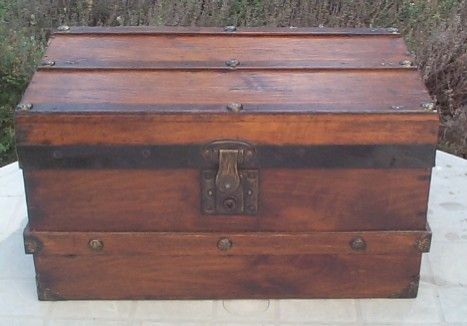 Small Wooden Chest With Lock Authentic Antique Trunks Pirate Chests And Wooden Treasure Chests Antique Trunk Chests Diy Wooden Trunks