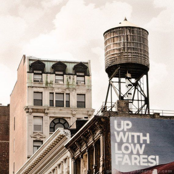 """Irène DB on Twitter: """"An icon of the New York skyline: the rooftop water tower (search #NYCwatertowers on Instagram) https://t.co/SyVT3Sp1wx #NYC #infrastructure https://t.co/ILY4SmtQT3"""""""
