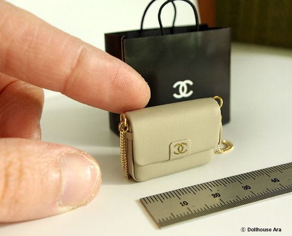 Gold and Black Small Miniature Shopping Bag : DOLLHOUSE Miniaures 1:12 Scale