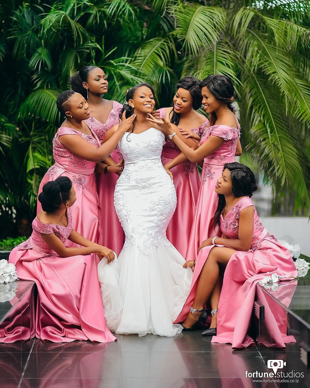 Wedding party poses - Best 100 poses for any wedding