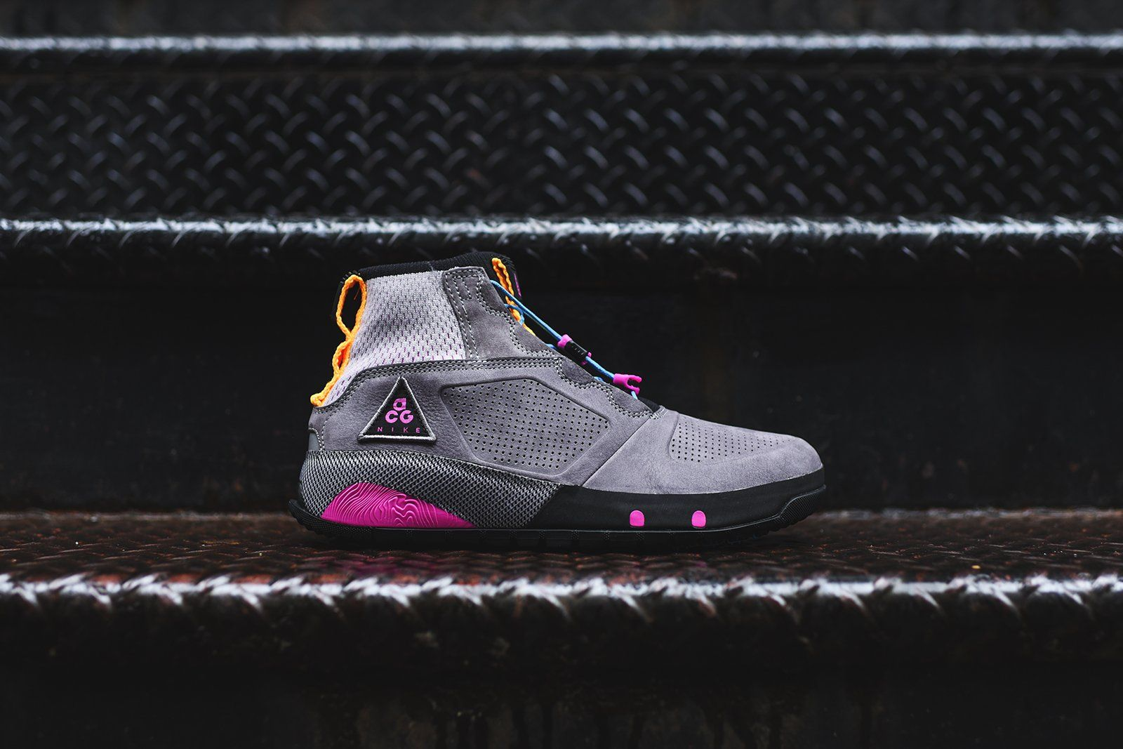 Official Images: Nike ACG Ruckel Ridge Barely Grey