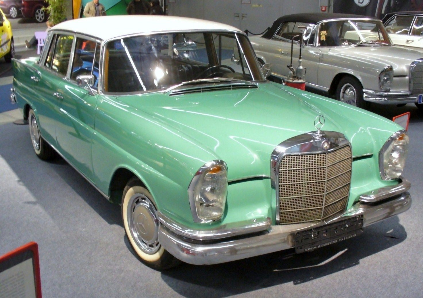 Mercedes benz 220s w111 google search mercedes benz for Search for mercedes benz