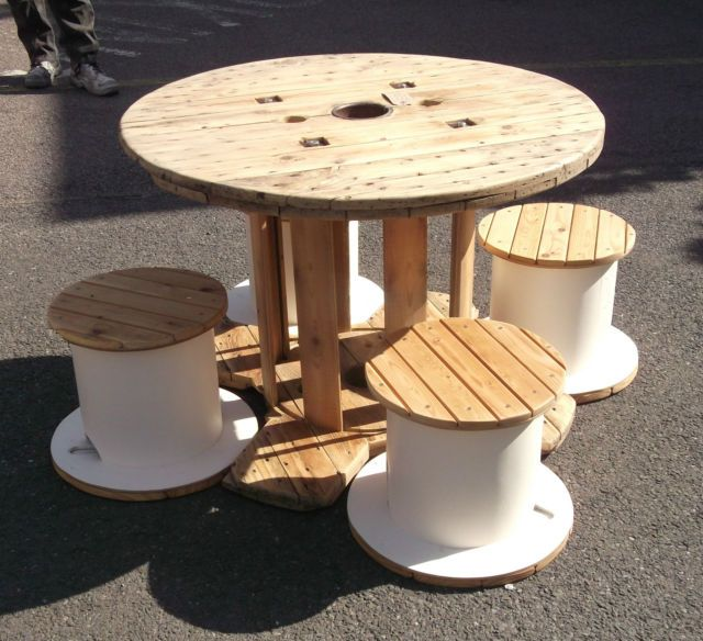 Rustic Dining Table And Stools Made From Reclaimed Cable