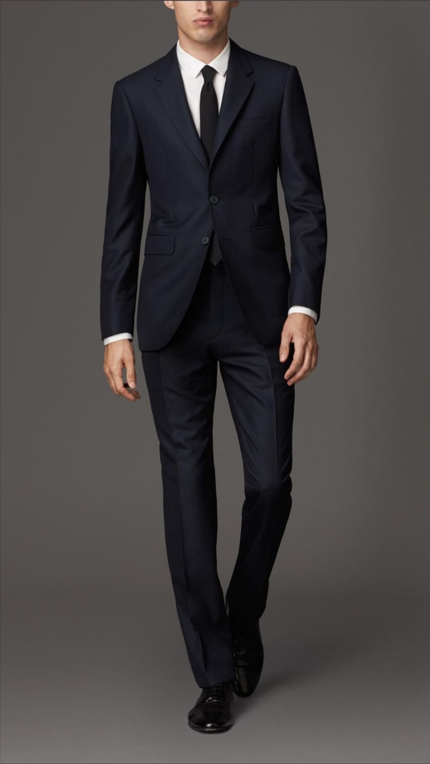 how to dress for a funeral male