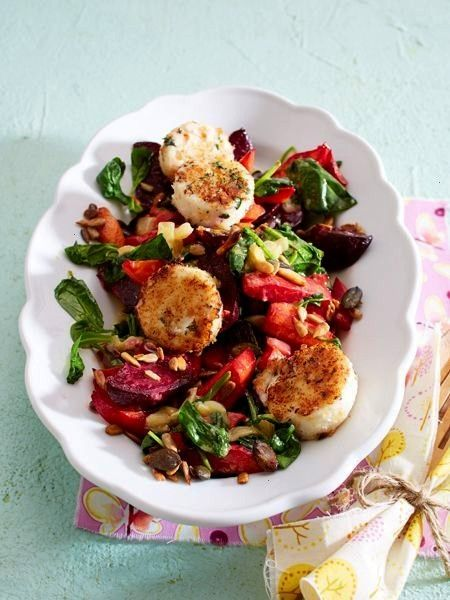 salad with breaded goat cheese recipe DELICIOUS -  Winter salad with breaded goat cheese  -Winter s
