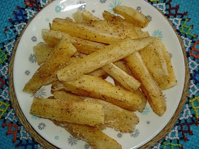 OuR KrAzy kItChEn...: Cultural Connections: Oven Baked Yuca Fries