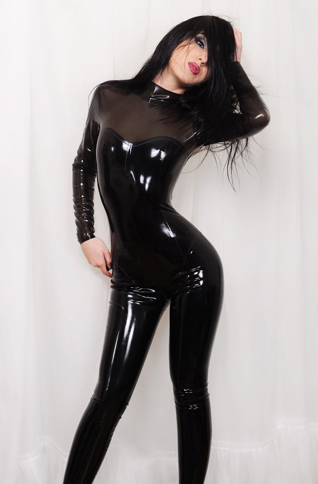Anne Hathaway Black Cat Suite