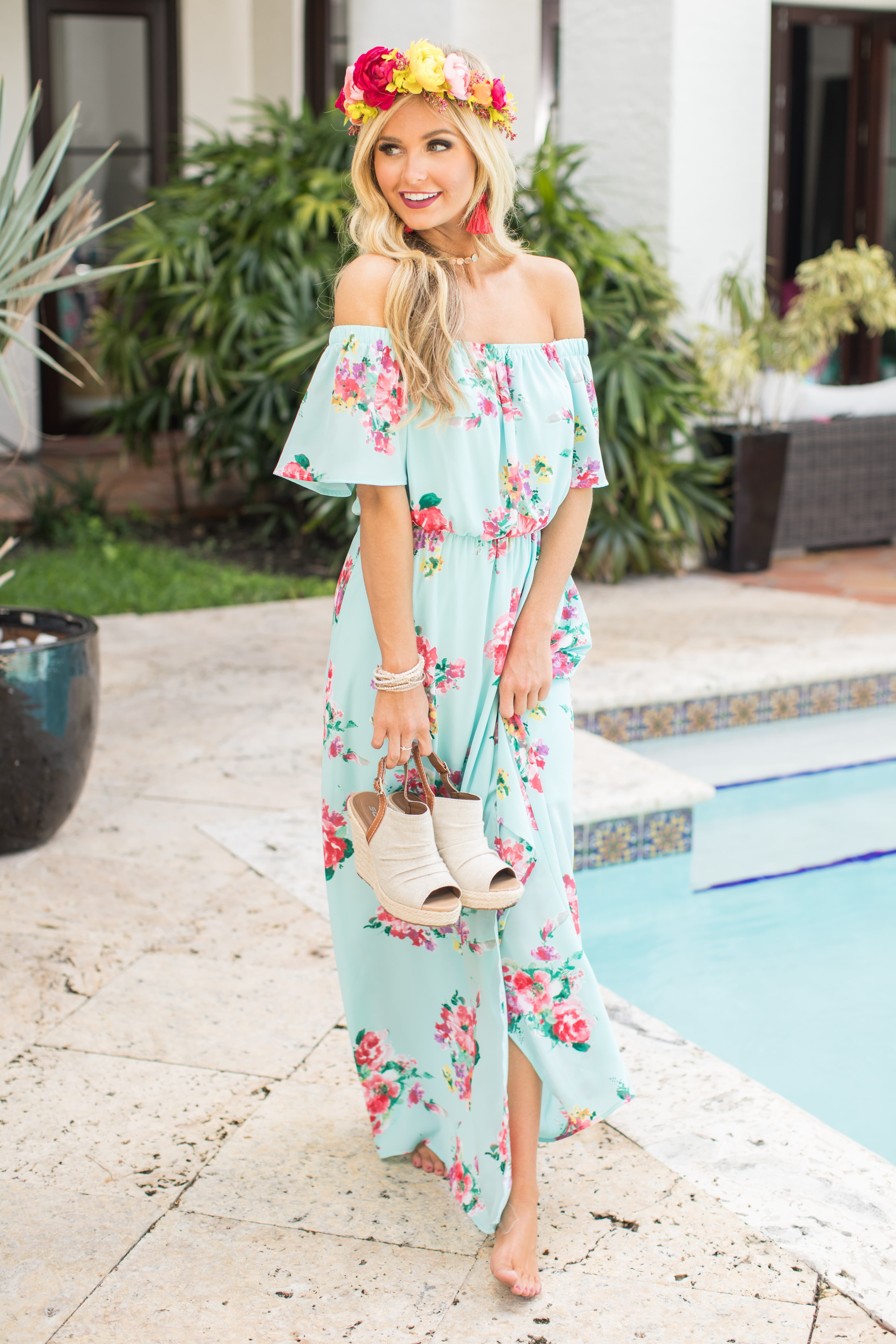 5fd0a12cf04 This vibrant maxi dress is such a must-have for the new season!