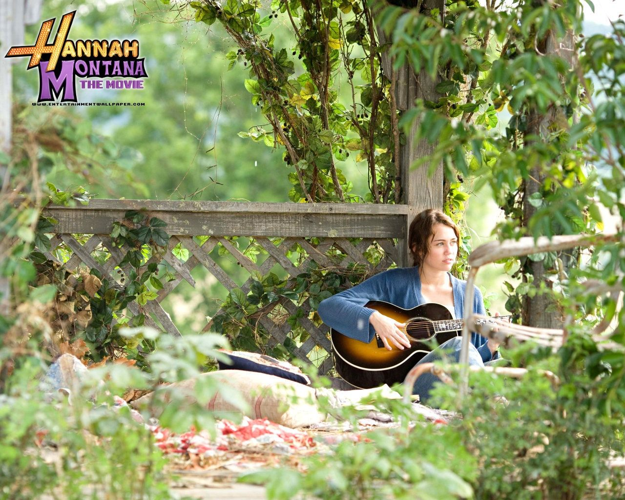 click here to download in hd format u003e u003e hannah montana the movie