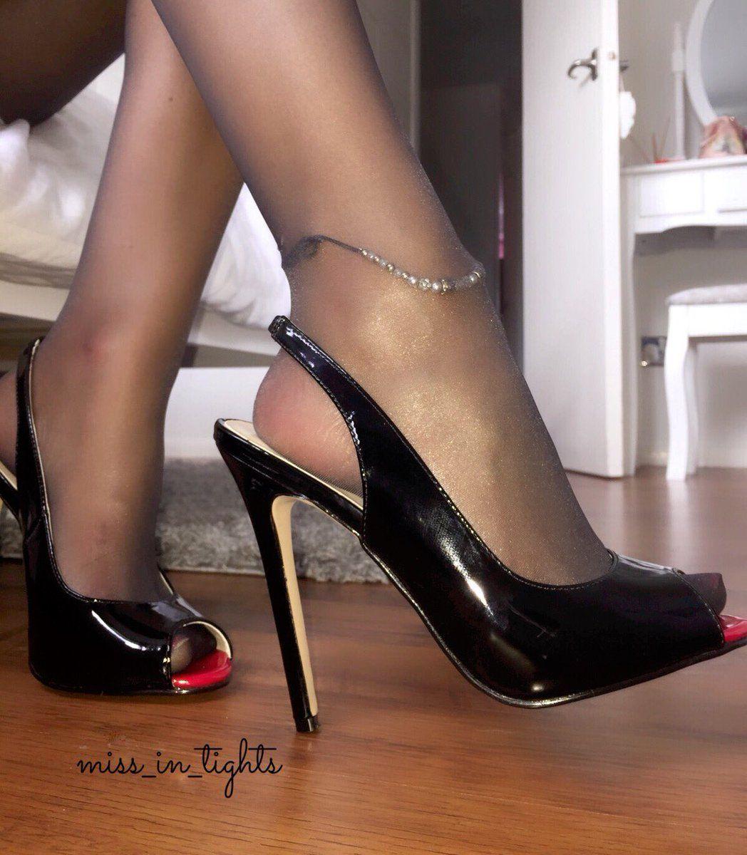 pin von mr r anthony auf sexy stockings pinterest schuhe pumps und strumpfhose. Black Bedroom Furniture Sets. Home Design Ideas