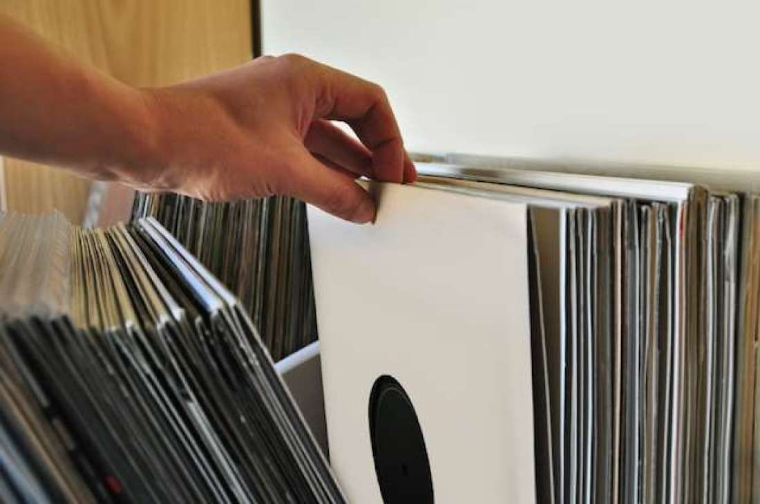 10 Records You Might Have Owned That Are Now Worth A Fortune Vinyl Records Records Old Records