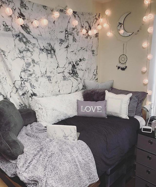 Marble Trend On Point Dorm Inspo In 2019 Dorm Room