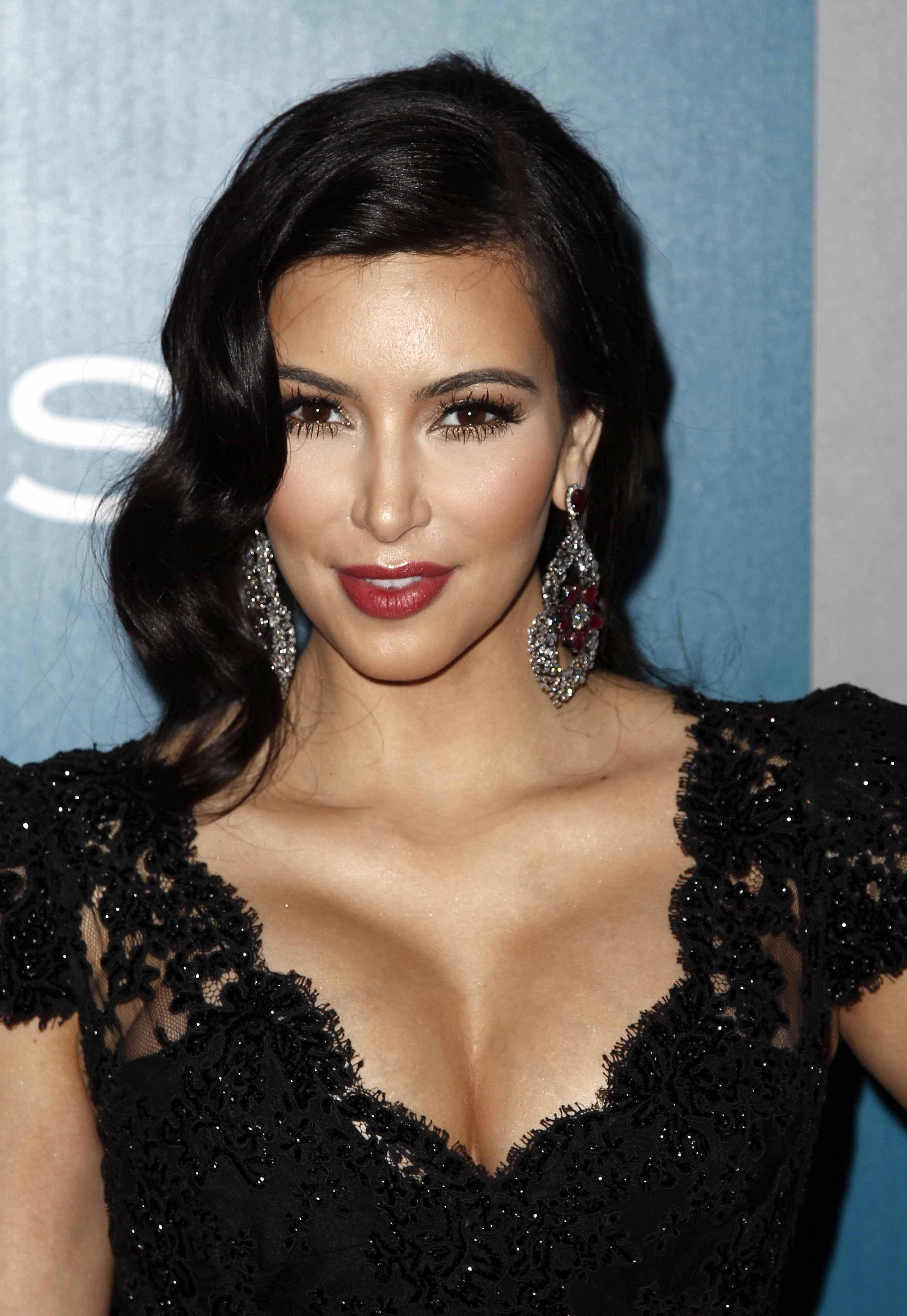 Dress black kim kardashian - Kim Kardashian Golden Globe Awards Wb Instyle After Party Jpg 2712 X