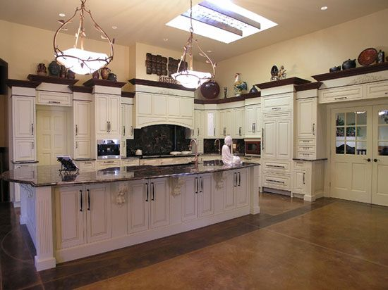 Ultimate Kitchens Monsey Ny In Rockland County Design Service Cabinets Vanities Countertops Commerci Traditional Kitchen Kitchens Direct Kitchen