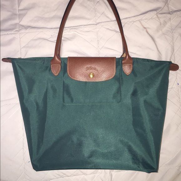 Longchamp le pliage in color CEDAR This color is CEDAR. 100000% authentic  strictly purchased