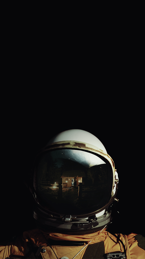 5 Wallpapers That Will Look Perfect On Your Iphone Astronaut