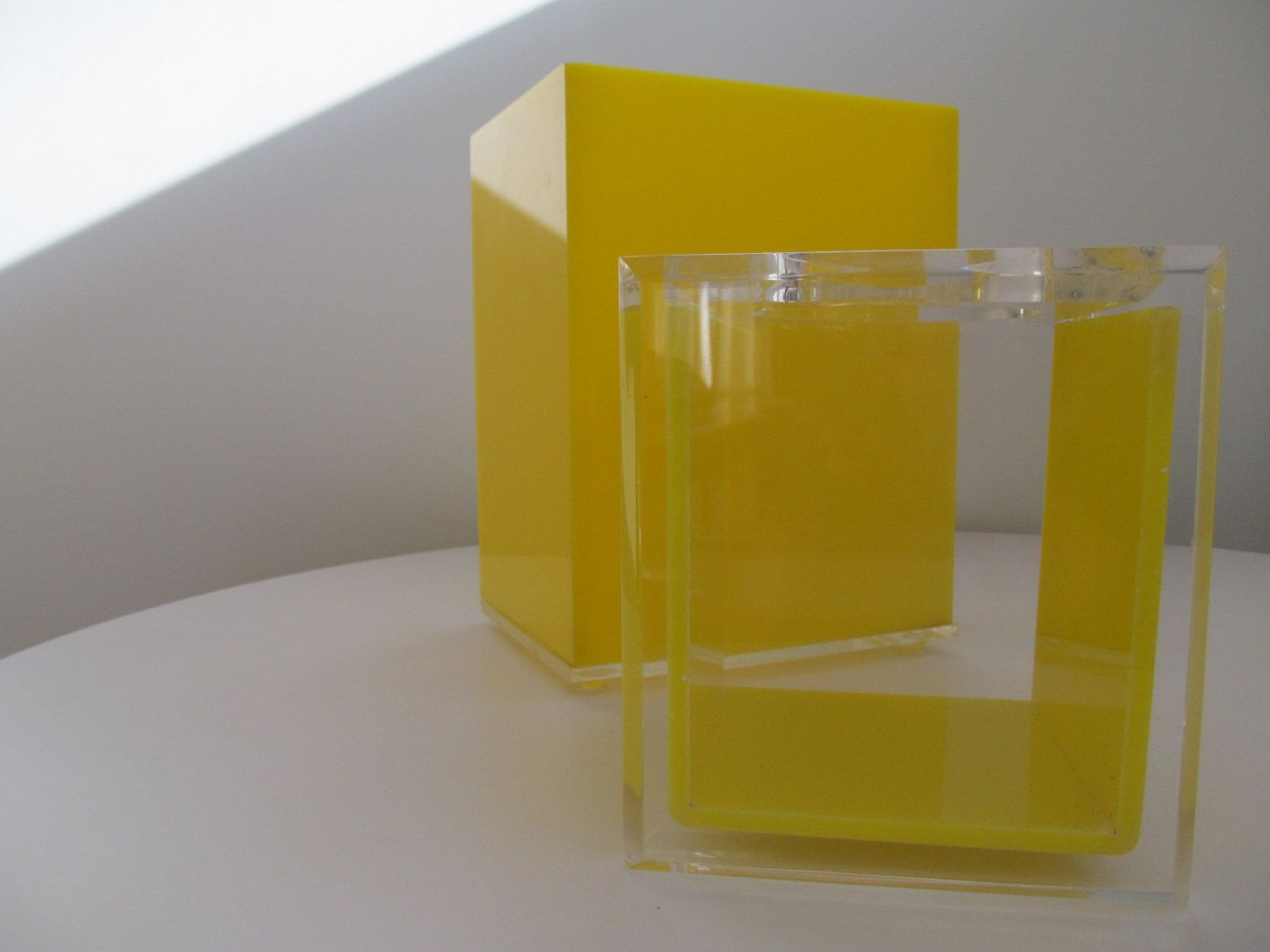 Mid Century Modern Yellow And Clear Lucite Bathroom Set   Trashcan/Waste  Basket And Tissue