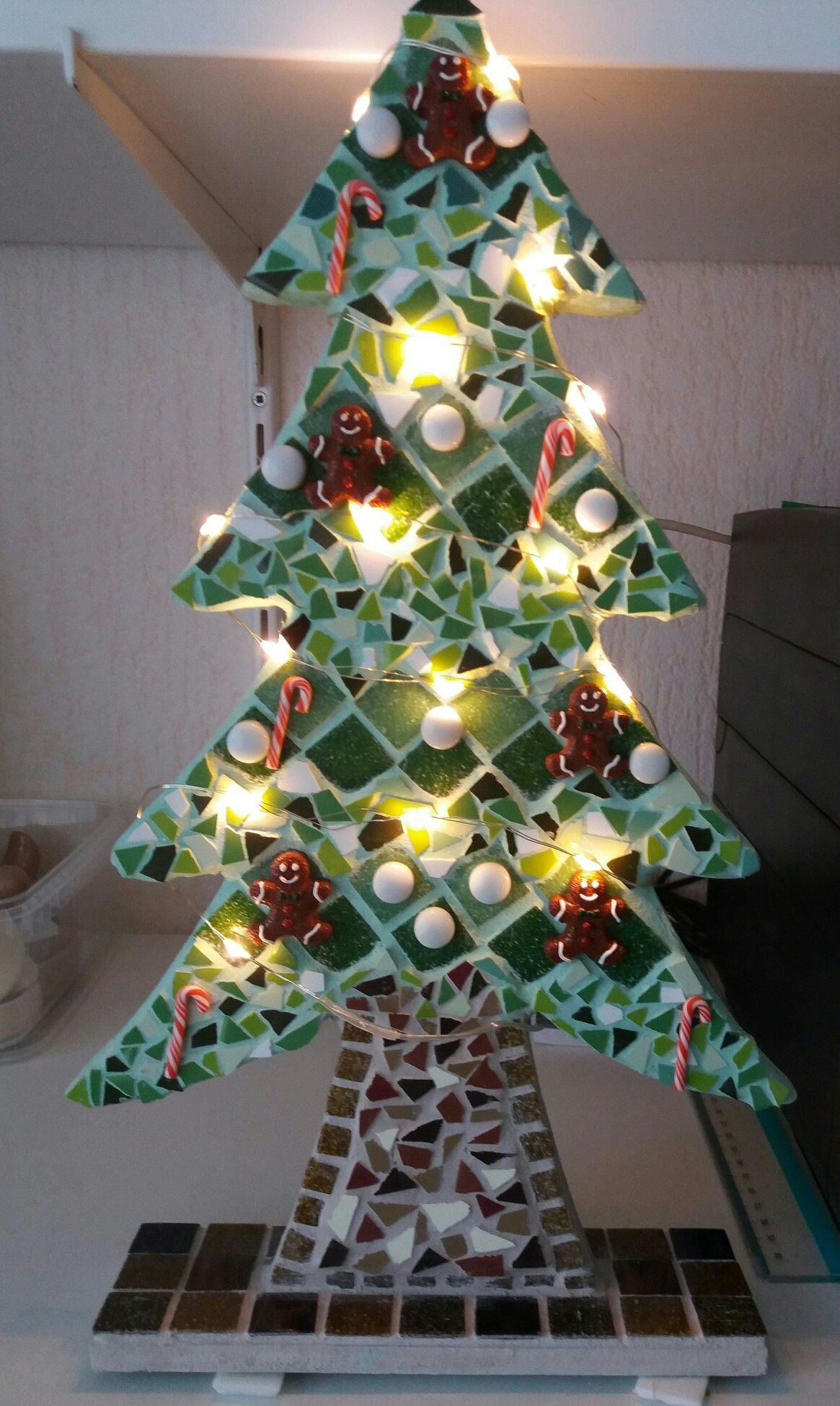 Pin By Teresa Siegel On Mosaics Christmas Mosaics Diy Christmas Cards Mosaic Crafts