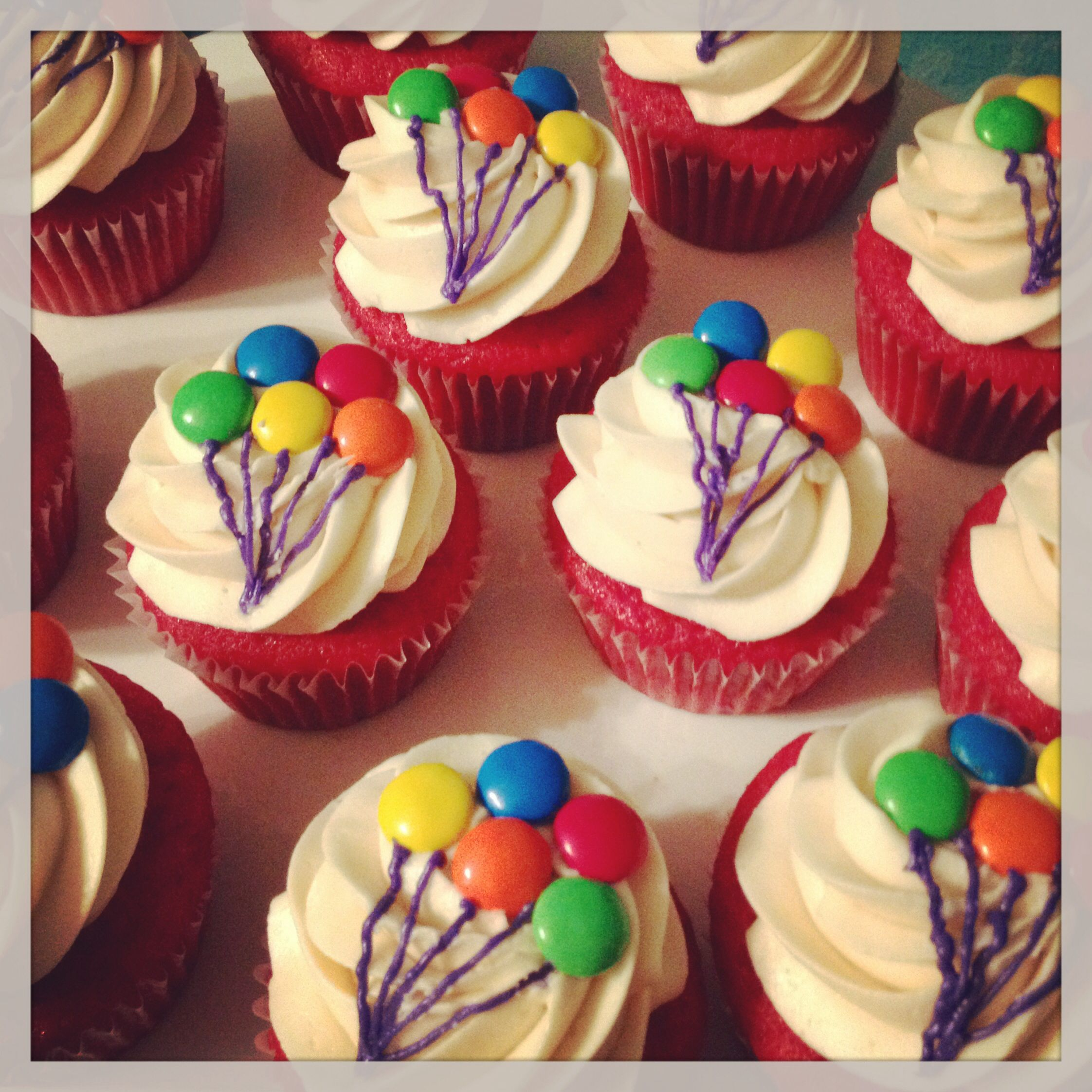 Cupcake Cake Ideas: Birthday Balloon Cupcakes