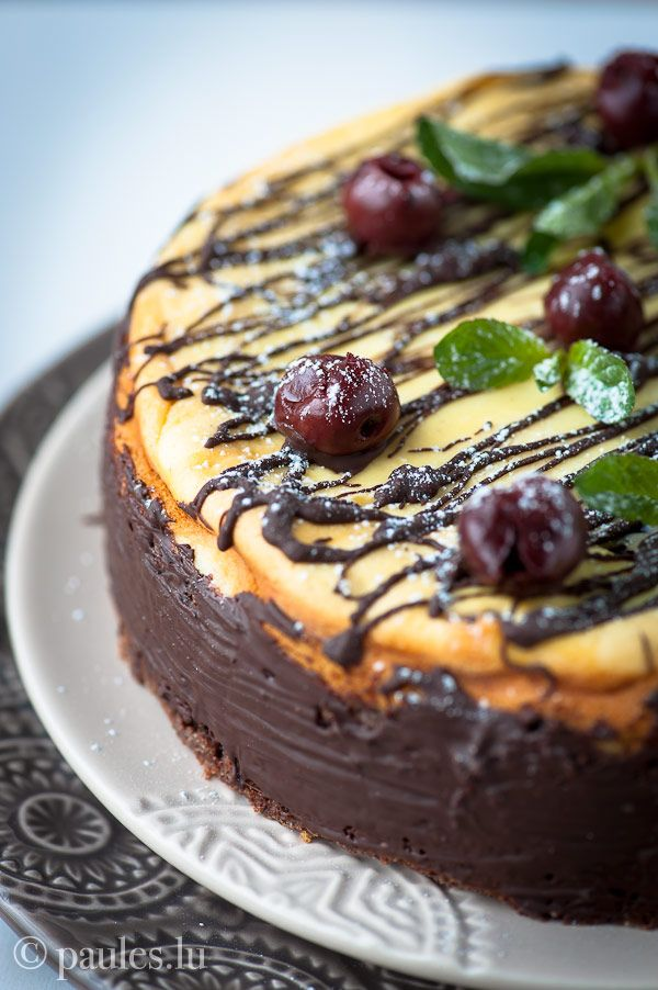 cheese cake with cherries and chocolate german cake recipes pinterest kuchen. Black Bedroom Furniture Sets. Home Design Ideas