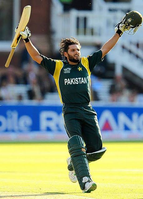 Shahid Khan Afridi Famous Player Of Cricket Shahid Afridi Cricket Sport Cricket Teams
