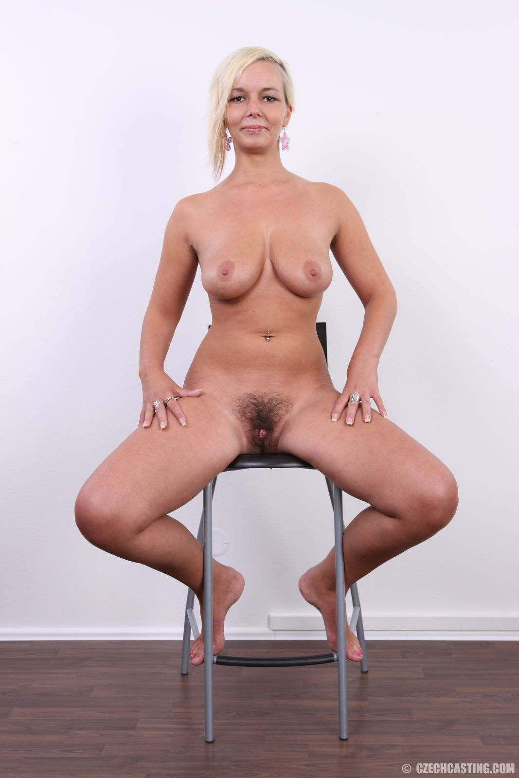 Casting hairy Girl -creampie