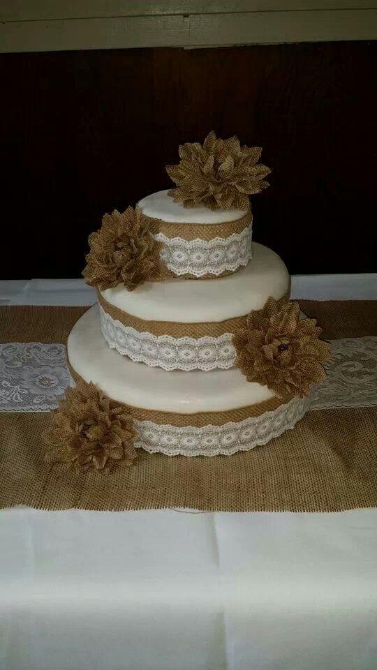 Burlap wedding cake | Burlap wedding cake, Cake, Cake