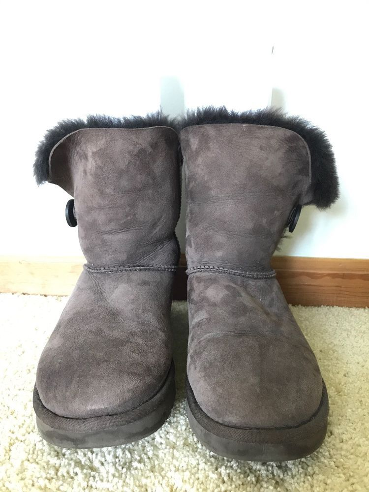 8dcc2bdc307 Classic Bailey Button UGG Boots Chocolate Brown Womens Size 10 ...
