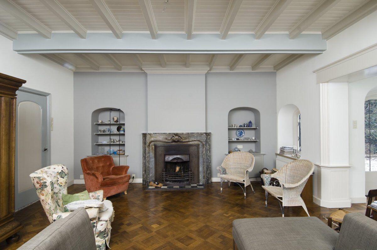 Wit balkenplafond verbouwingen