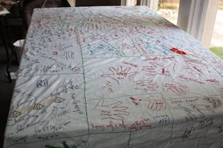 Amazing Thanksgiving Tablecloth Collect Signatures Of Guests Over The Years Using Thanksgiving Traditions Family Thanksgiving Family Thanksgiving Tablecloth