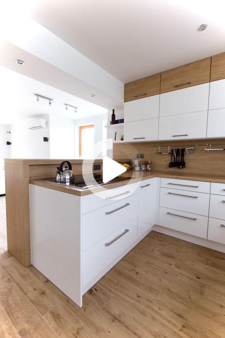 Weisse Kuche Mit Amerikanischem Kuhlschrank Barbara Grunwaldova A In 2020 Kitchen Room Design Modern Kitchen Interiors Interior Design Kitchen Contemporary