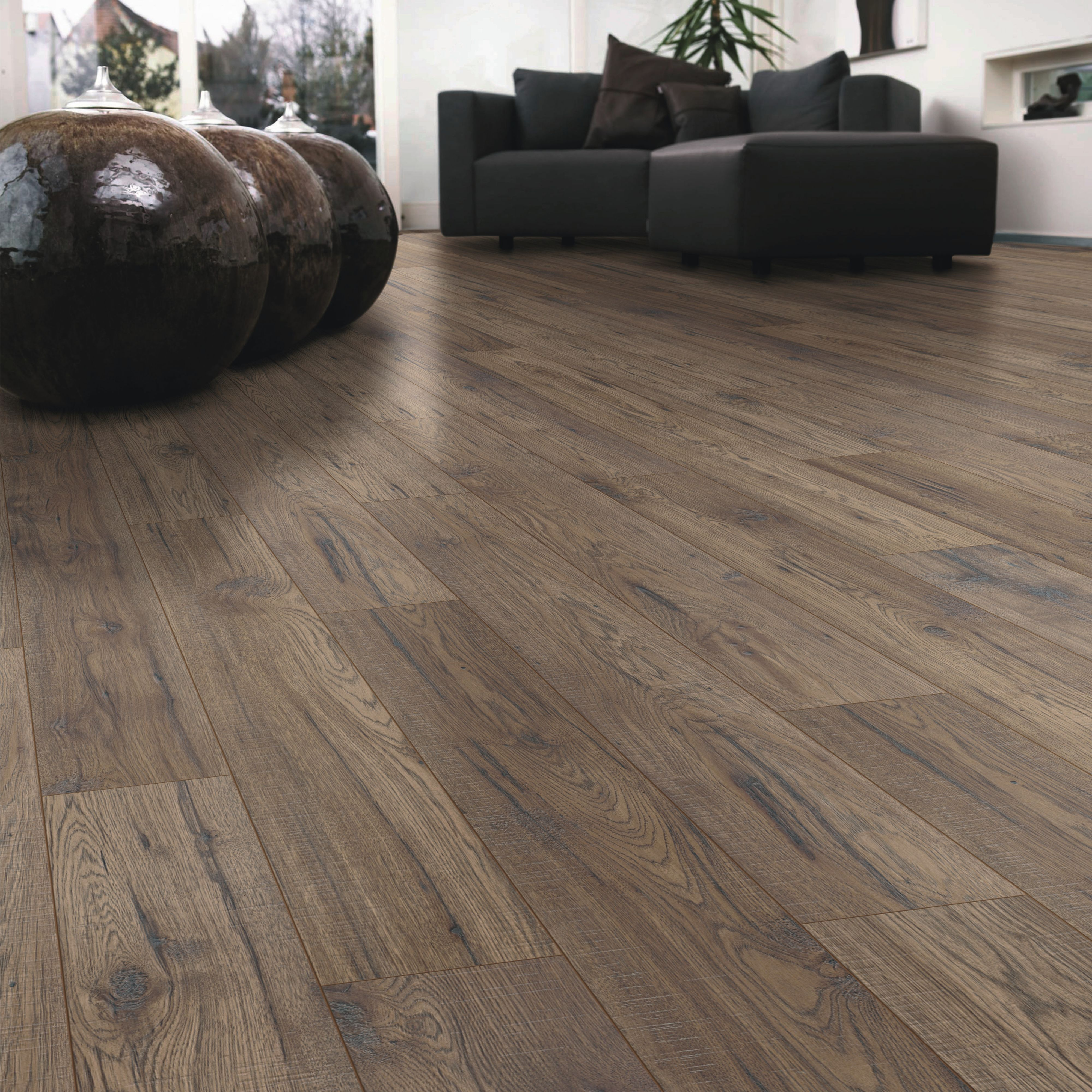 Ostend ascot oak effect laminate flooring m pack - What is laminate flooring ...