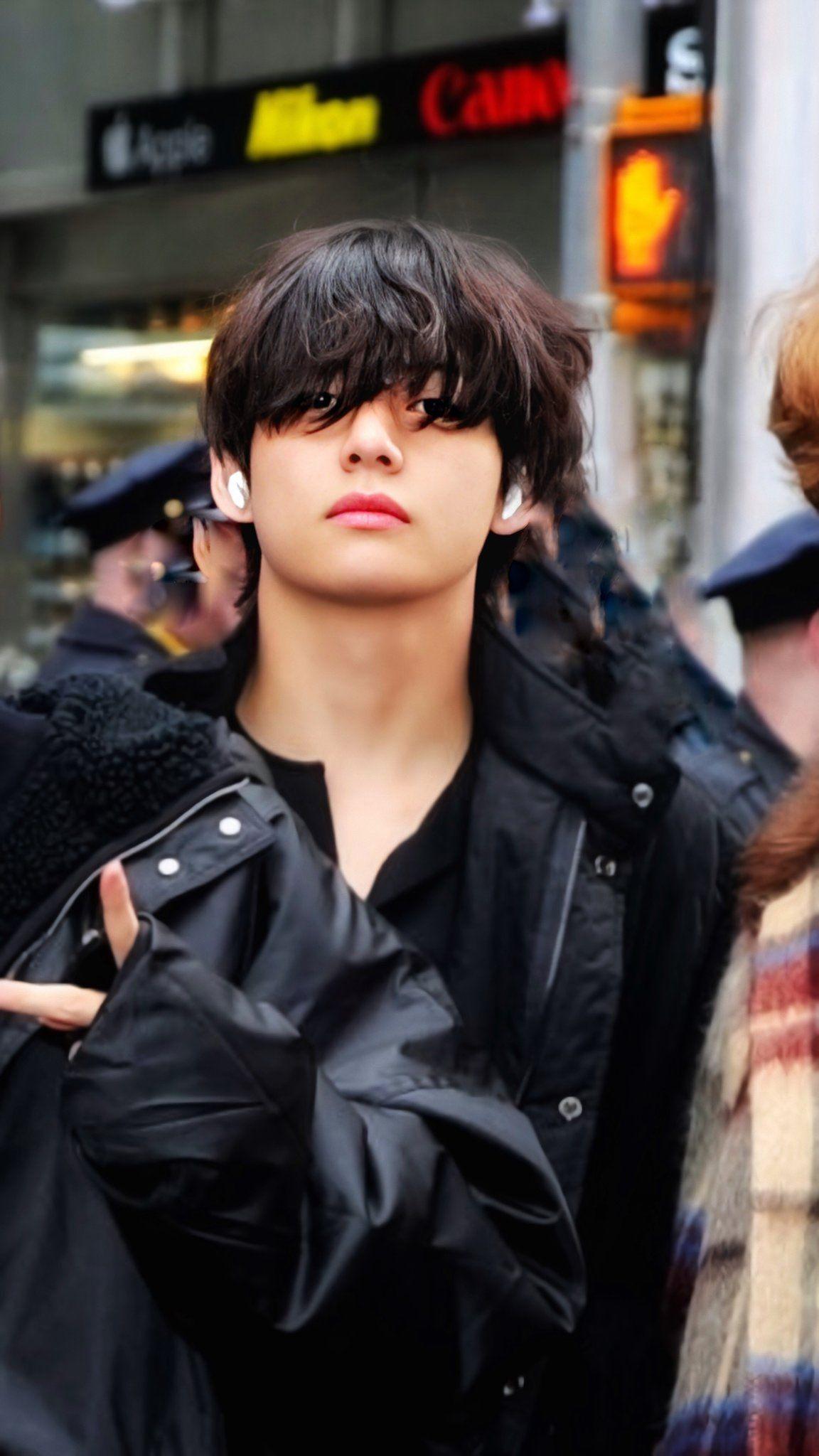 dani⁷ on in 2020 Bts taehyung, Foto bts, Bts jungkook