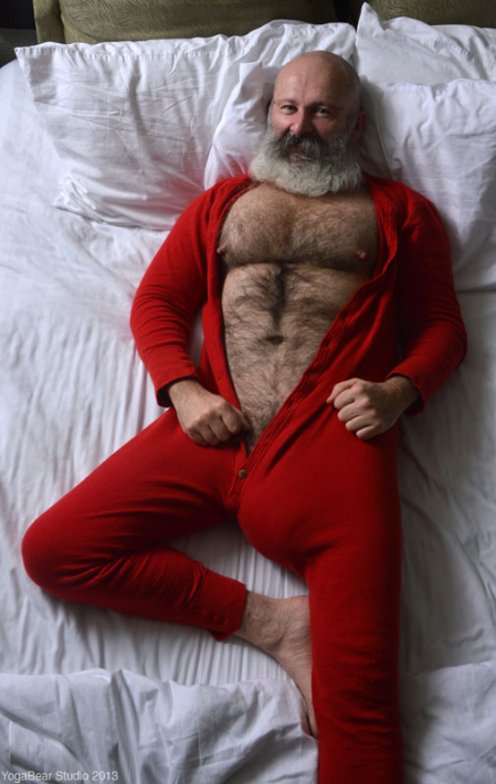 Mature hairy in bed