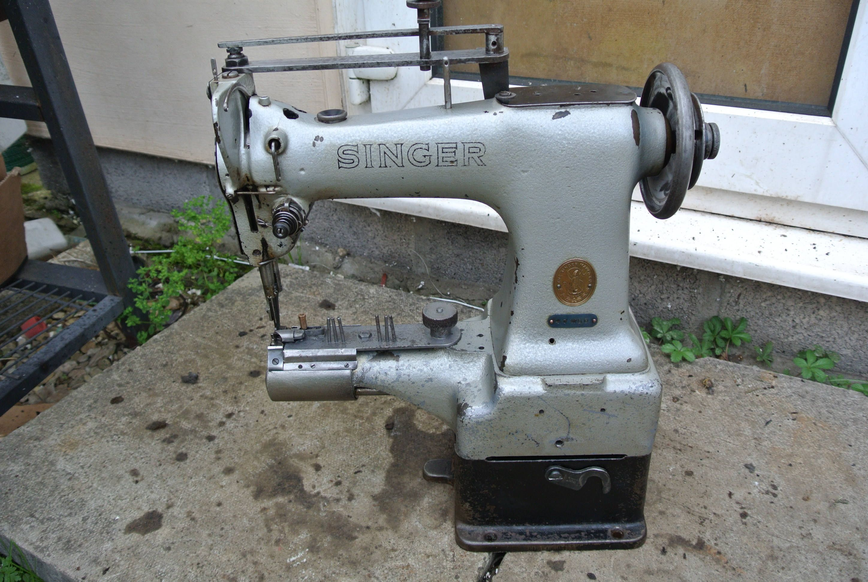 Singer 47k63 cylinder arm walking foot industrial sewing machine with binder by for Trapper keeper 2 sewn binder with exterior storage