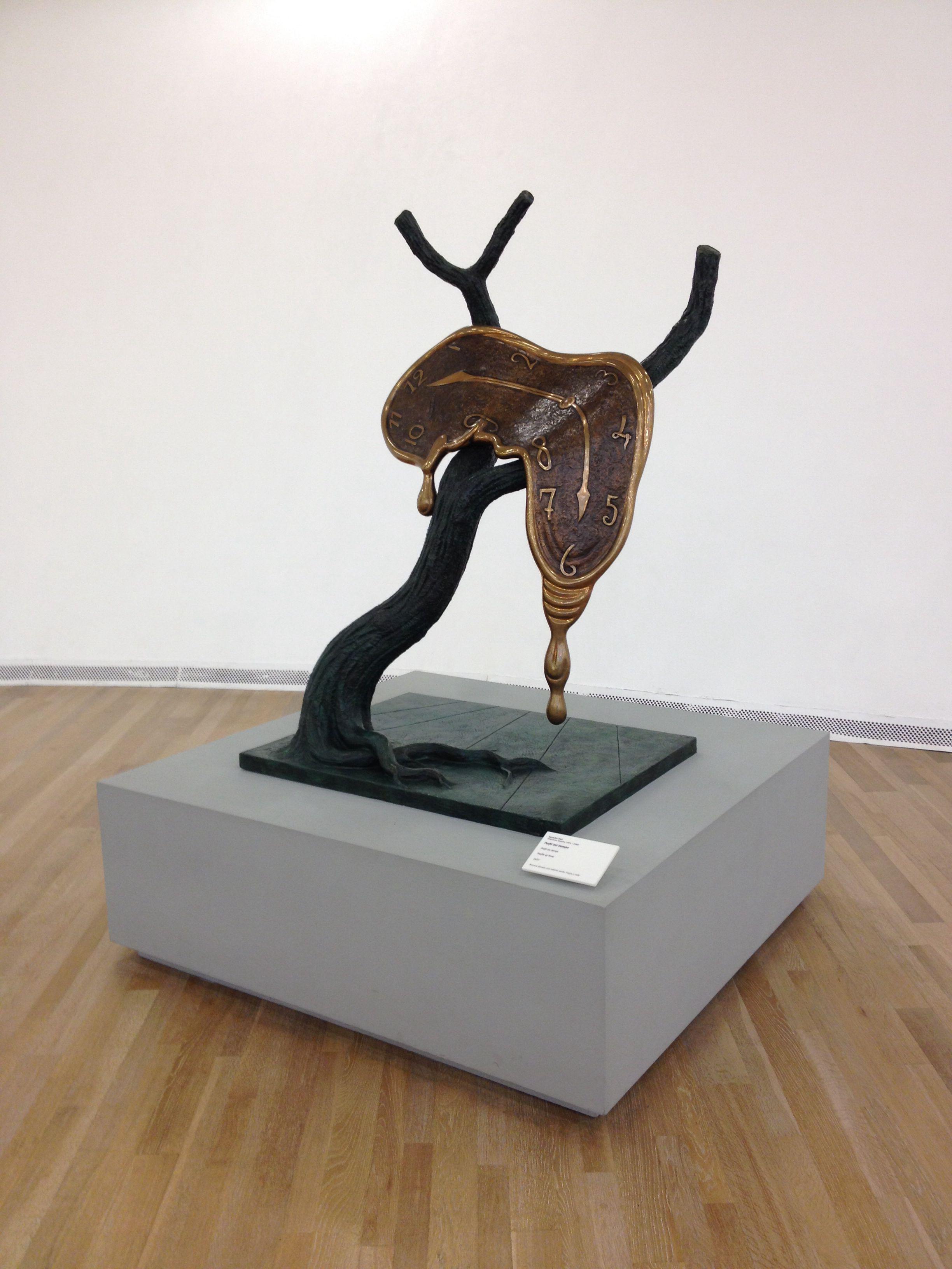 El reloj del tiempo - Salvador Dalí  Museo Soumaya