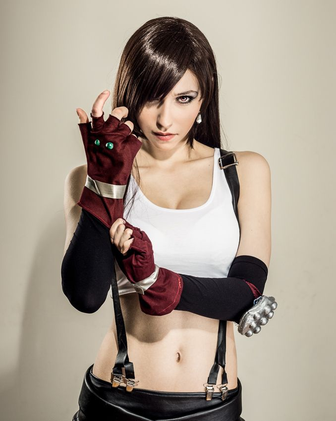 Lady Zero dressed in Tifa Lockhart hot cosplay