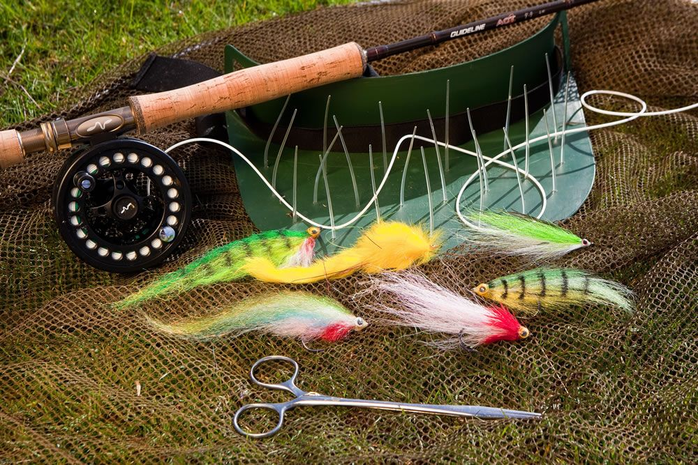 Matt hayes guide to fly fishing for pike part 1 for Pike fly fishing