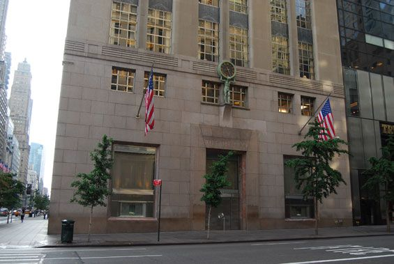 a90d2b7ea6b03 Tiffany's flagship store (since 1940) is located at the corner of ...