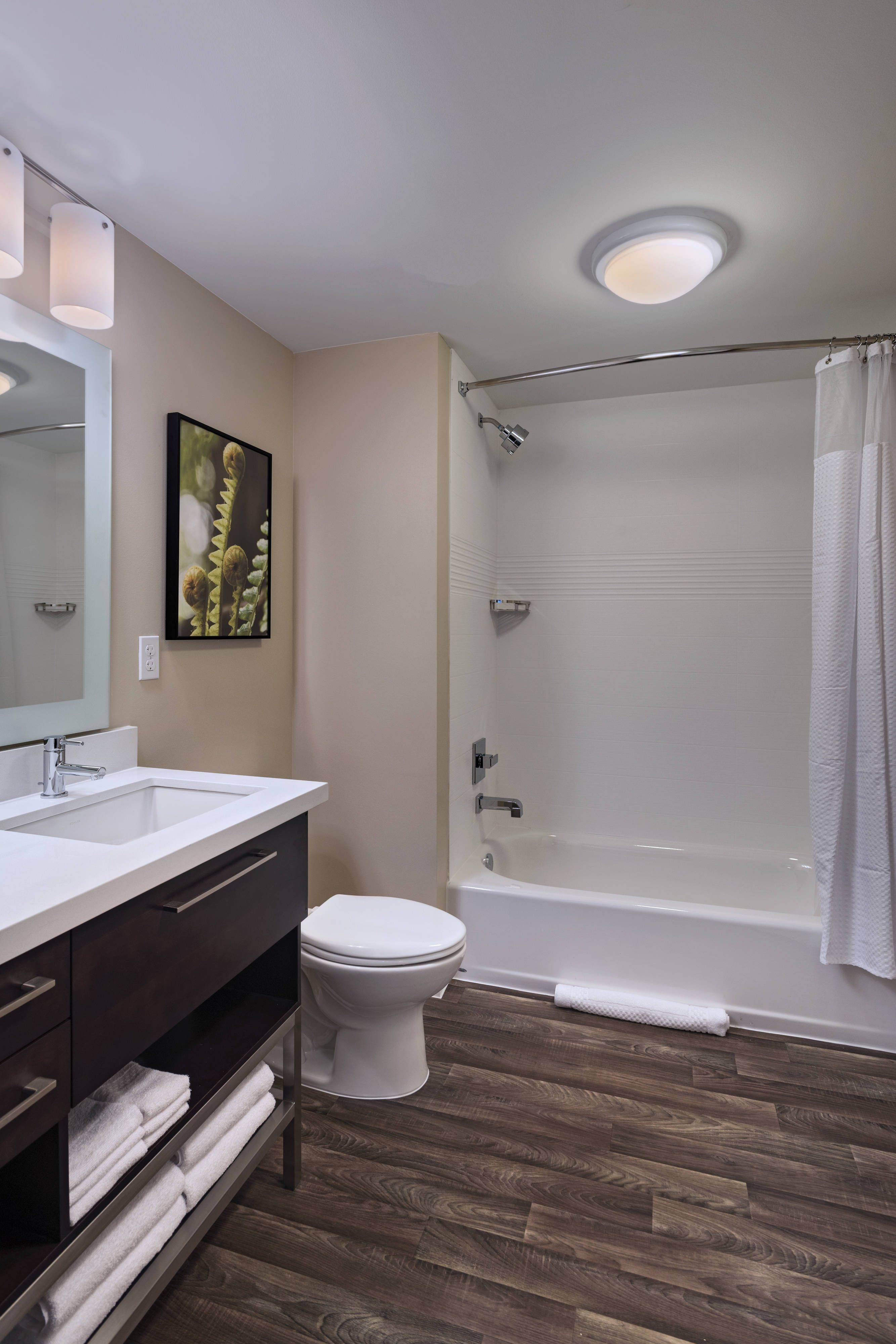 Towneplace Suites Tacoma Lakewood Studio Suite Bathroom Happy