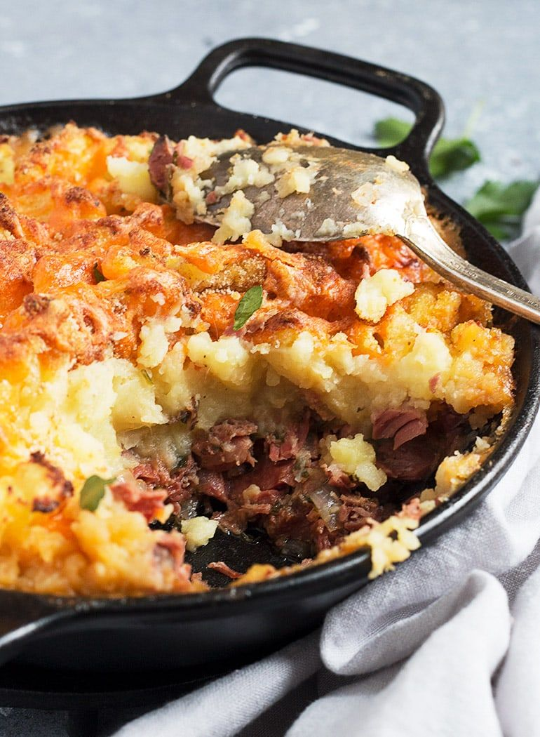 Corned Beef Cottage Pie This Corned Beef Cottage Pie Is The Love Child Of Shepherd S Pie And Corned B Corned Beef Recipes Beef Cottage Pie Canned Corned Beef