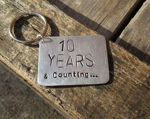 Tin Wedding Anniversary Gift: Details About 10 Years & Counting Keyring 10th Wedding