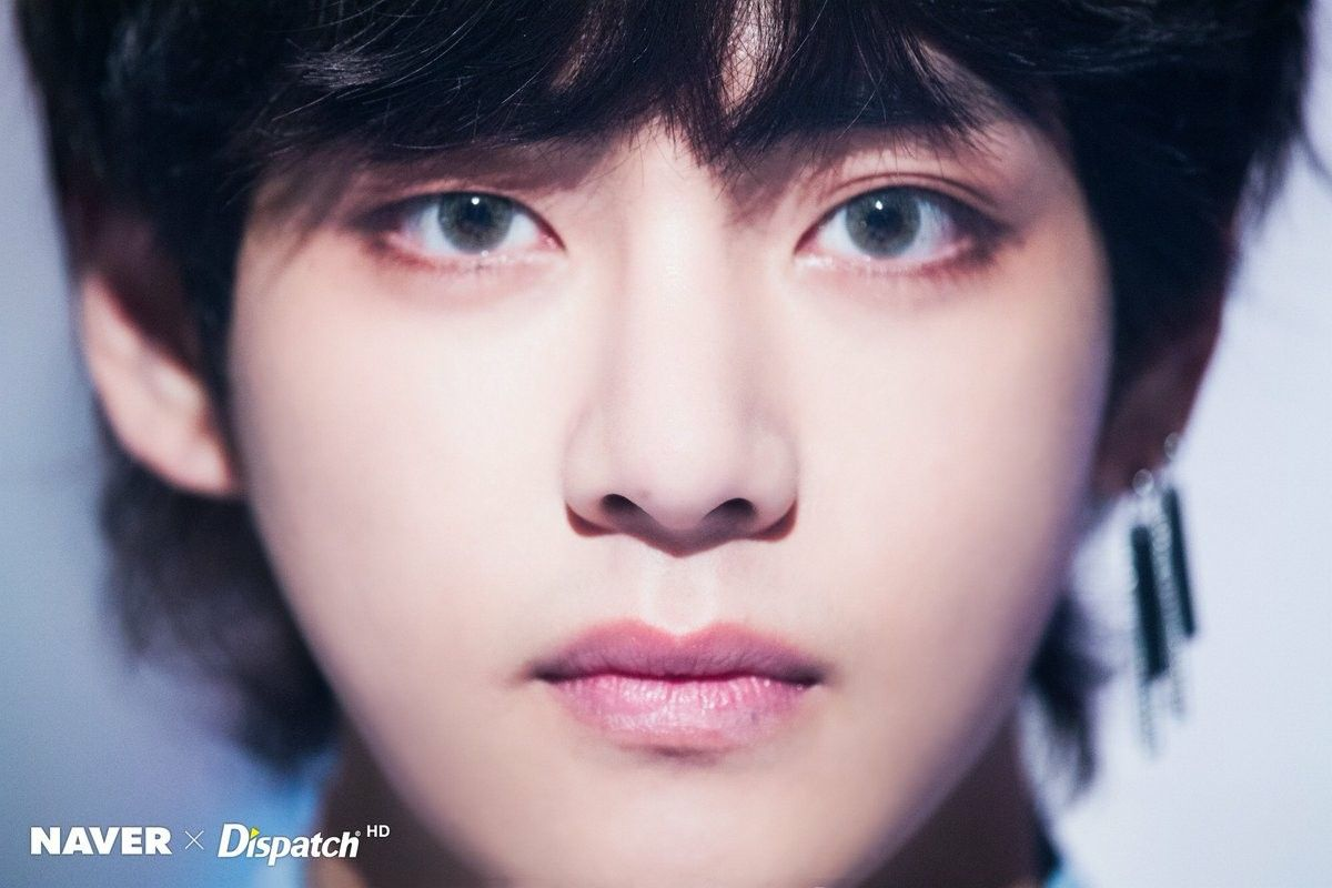 His One Monolid And One Double Eyelid Bts Taehyung Taehyung Kim Taehyung