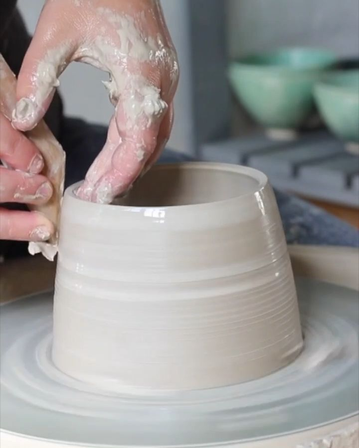 Time lapse of throwing a pottery!
