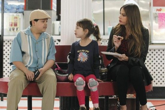 Modern Family Season 4 Episode 22 My Hero 5 Modern Family Season 4 Modern Family Lily Modern Family
