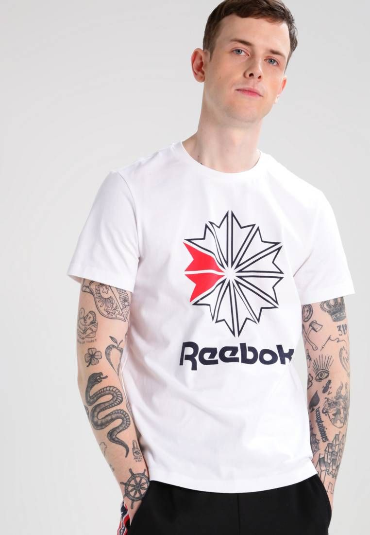 3ba6e3749 Reebok Classic. Camiseta print - white. Transparencia poco transparente.  Largo de la prenda 69 cm (talla M). Modelo